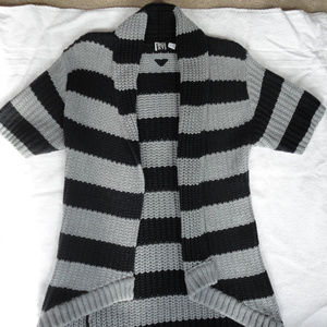 Roxy Grey/Black Short Sleeve Cardigan NWOT